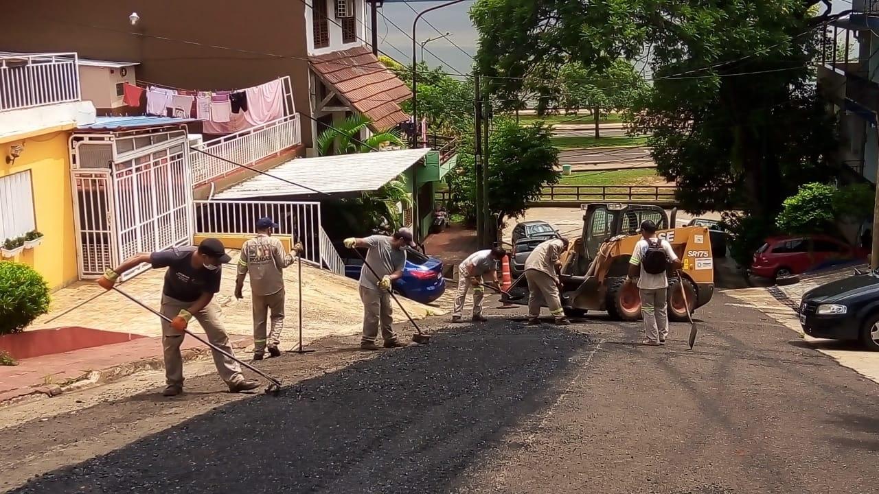Continúan las obras de bacheo en la ciudad